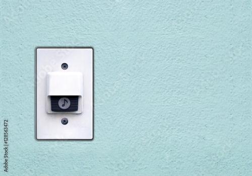 Doorbell or buzzer on mounted on green wall Canvas-taulu