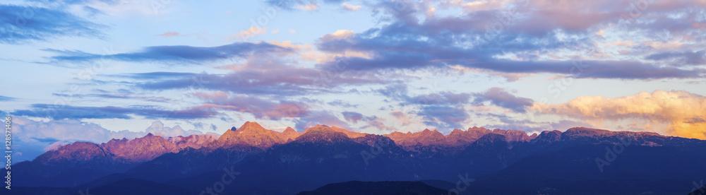 Fototapety, obrazy: Massif de Belledonne seen from Grenoble