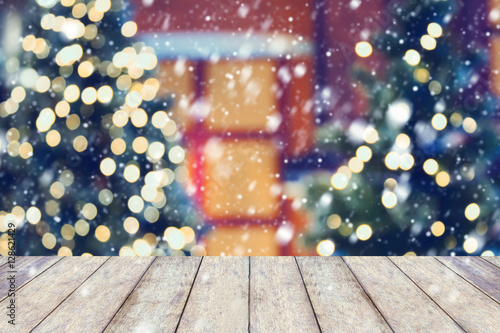 Photo Christmas holiday background with empty wooden table