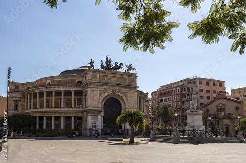 In de dag Palermo rounded theatre
