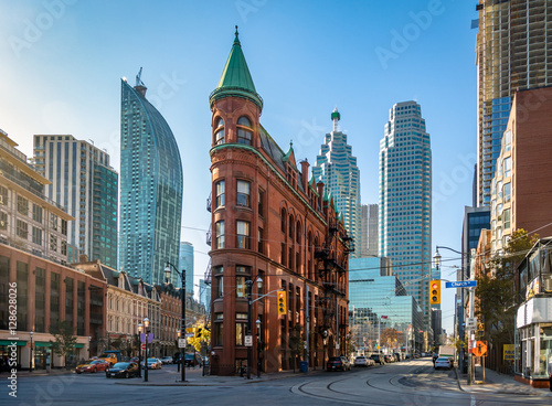 Photo Gooderham or Flatiron Building in downtown Toronto - Toronto, Ontario, Canada