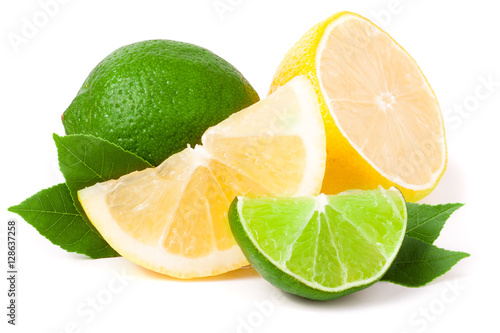 lime and lemon with leaves isolated on white background Poster Mural XXL