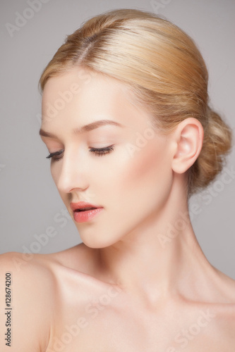 Fototapety, obrazy: Fashion blonde woman with beautiful face - isolated on white. Skin care concept.