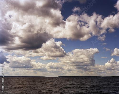 Papiers peints Ciel Afternoon clouds rolls in on Lake Waskesiu in the heart of Prince Albert National Park, Saskatchewan, Canada.