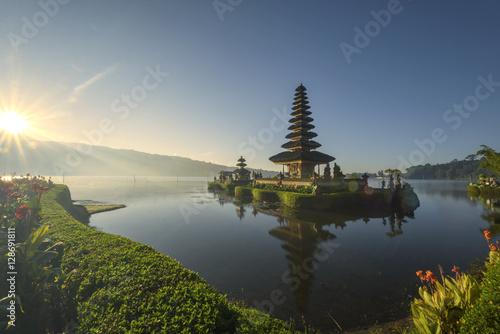 Tuinposter Donkerblauw Pura Ulun Danu Bratan, Hindu temple on Bratan lake in Bali, Indonesia, at sunrise