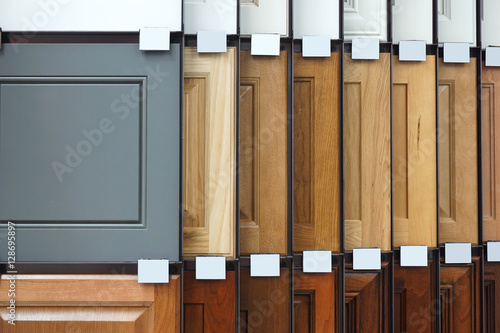 Fotografie, Obraz wood cabinet door samples in market in a row