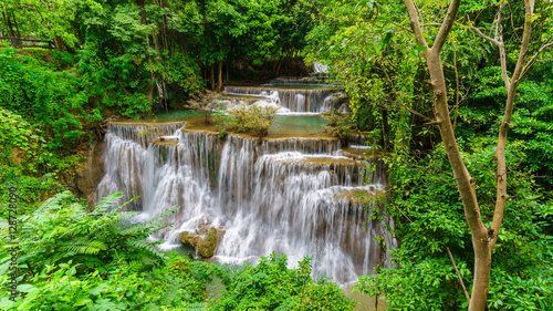 Foto op Canvas Watervallen Viewpoint tier 4 at Huay Mae Khamin Waterfalls is located in Khuean Srinagarindra National Park , north of Kanchanaburi , The seven-tiered waterfalls, Thailand