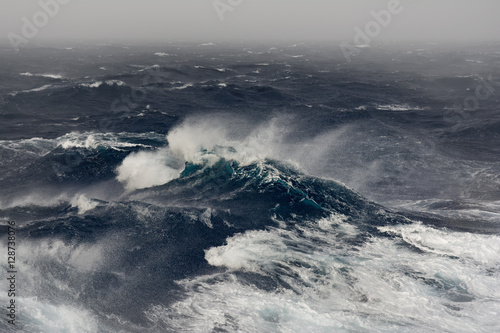 Stickers pour portes Eau ocean wave in the indian ocean during storm