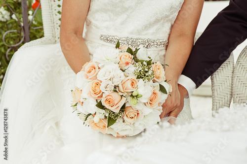 Vintage Hochzeit Brautpaar Mit Brautstrauss Buy This Stock Photo