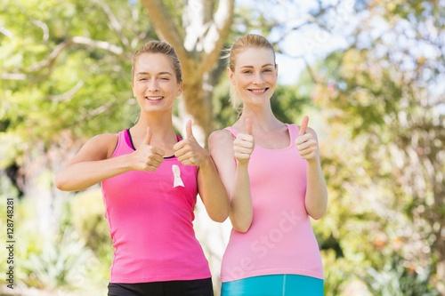 Poster Jogging Portrait of young volunteer women smiling