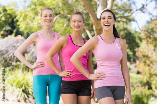Poster Jogging Portrait of young volunteer women posing