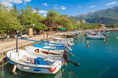 Foto auf AluDibond Schiff Dock for boats and yachts Budva