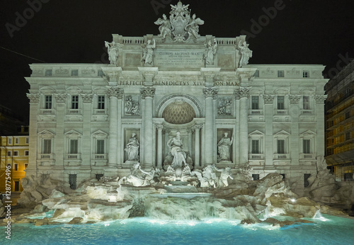 Photo sur Toile Fontaine Trevi fountain at night