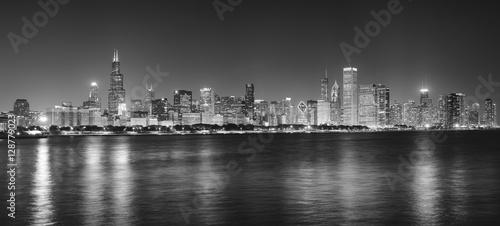 Zdjęcie XXL Czarny i biały noc panoramiczny obrazek Chicagowska miasto linia horyzontu, usa.