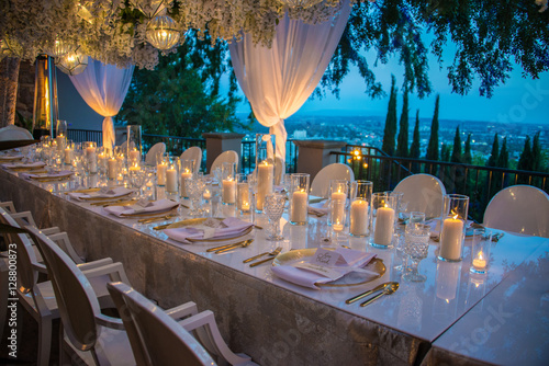 Fotomural hollywood hills wedding reception dinner party