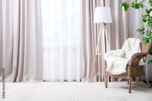 Fotografía Modern room interior with armchair and curtains