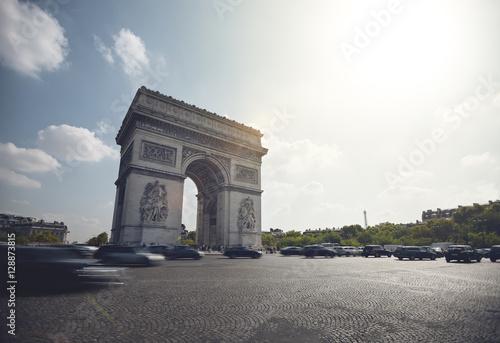 Papiers peints Paris Traffic around Arc de Triomphe - Paris