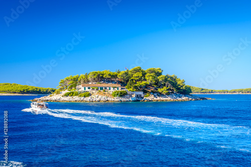 Spoed Foto op Canvas Eiland Croatia Hvar island seascape. / Waterfront view at island in Adriatic Sea in front of town Hvar, Hell's Islands, Croatia summertime