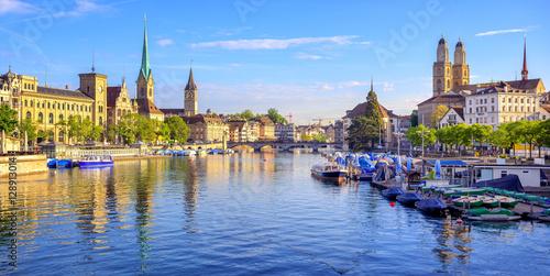 Plakat Panoramiczny widok stary miasteczko Zurich, Szwajcaria