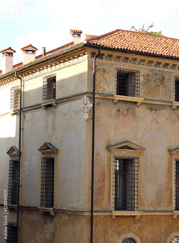 Papiers peints Con. Antique decorative details of an ancient house of the city of Vicenza in