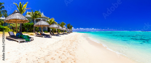 Foto auf Gartenposter Tropical strand Serene tropical holidays - perfect white sandy beaches of Mauritius island