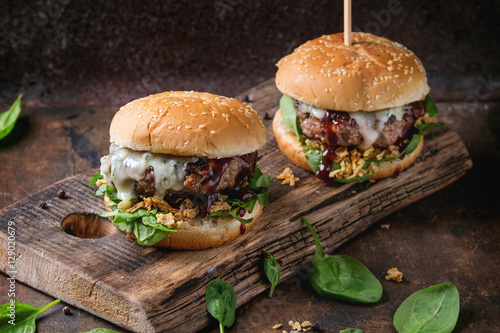 Tablou Canvas Hamburgers with beef and spinach