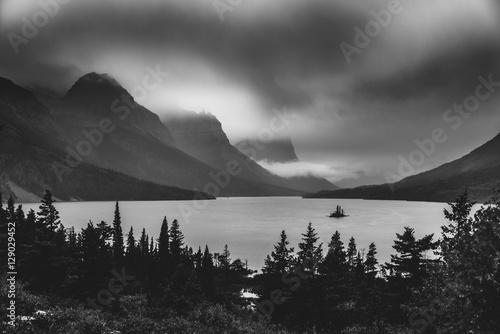 Valokuva  Black and white Wild Goose Island. Glacier National Park, Montana
