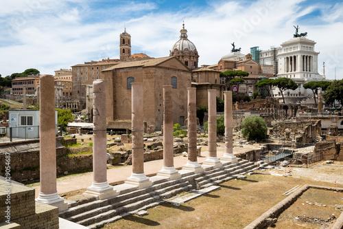 Foto op Aluminium Rome Ruins at the Roman Forum