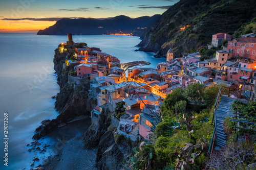 Stickers pour porte Ligurie Village of Vernazza. Image of Vernazza (Cinque Terre, Italy), during sunset.