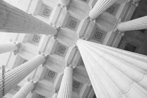 Fotografia Marble Columns.