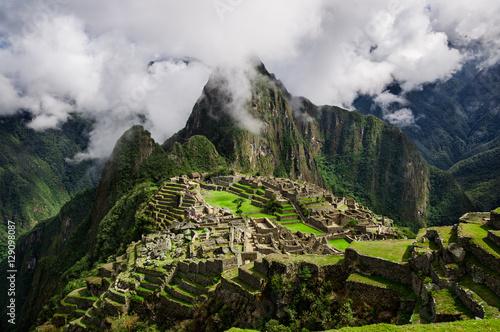 Photo  Machu Picchu. Lost city of Inkas in Peru mountains.