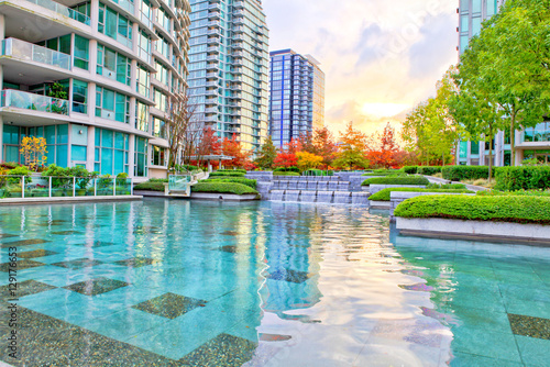 Foto op Aluminium Canada Cascade of the silky water in Downtown of Vancouver, Canada.