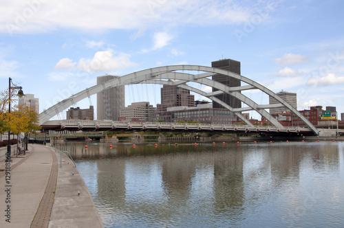 Valokuva  Rochester Downtown Skyline and bridge, Upstate New York, USA.