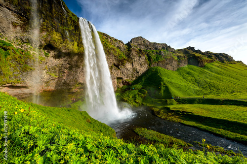 Papiers peints Cascade Seljalandsfoss one of the most famous Icelandic waterfall