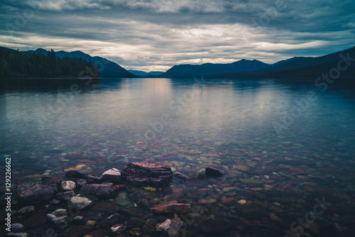 Valokuva  Lake McDonald. Glacier National Park, Montana, USA.