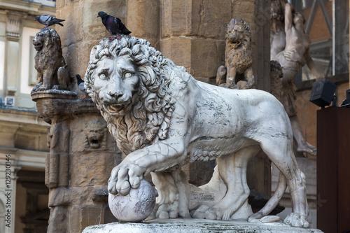 Foto  Historische Löweskulptur in Florenz, Italien
