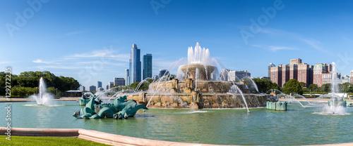 Fotografering  Buckingham fountain in Millenium park, Chicago, Illinois, US