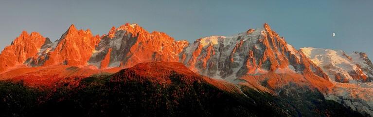 Panel Szklany Podświetlane Wschód / zachód słońca Beautiful Mountains