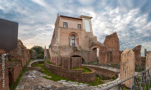 Valokuva  Palatino Ninfeo ellittico della Domus Flavia