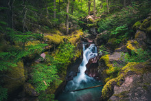 Avalanche Creek Waterfall. Gla...