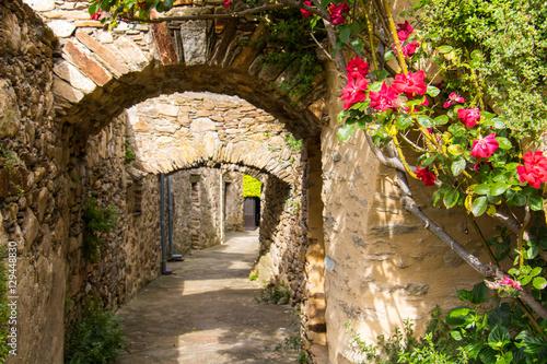 village-of-saint-martin-of-arcon-w-prowansji-luberon