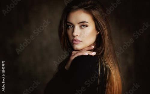 Photo  Young female brunette