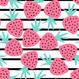 Seamless pattern with hand drawn strawberries on striped background. - 129491299