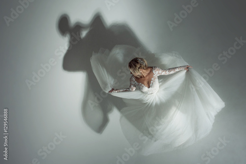 Fotografering  Dance with the shadow