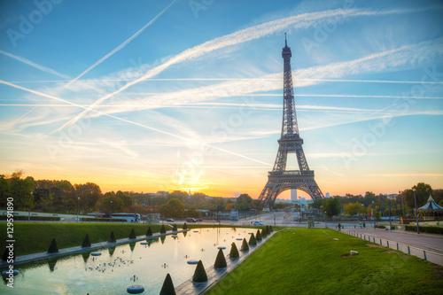 Deurstickers Eiffeltoren Cityscape with the Eiffel tower