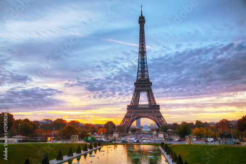 Tuinposter Eiffeltoren Cityscape with the Eiffel tower in Paris, France