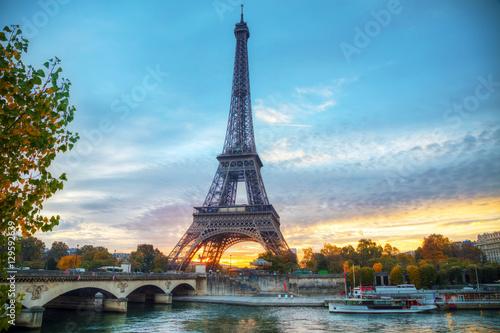 Deurstickers Eiffeltoren Cityscape with the Eiffel tower in Paris, France