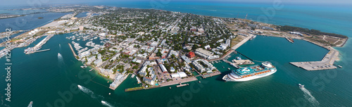 Valokuva  Key West Aerial Panoramic - Looking Down Duvall St