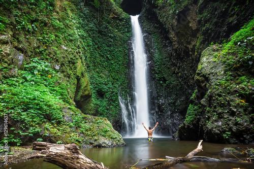 Stampa su Tela Waterfall in tropics