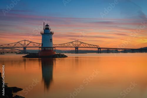 Montage in der Fensternische Leuchtturm Tappan Zee and Tarrytown Lighthouse sunset